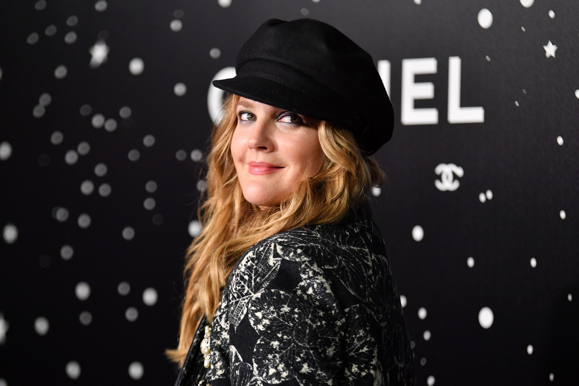 How to Shrink Pores According to Drew Barrymore