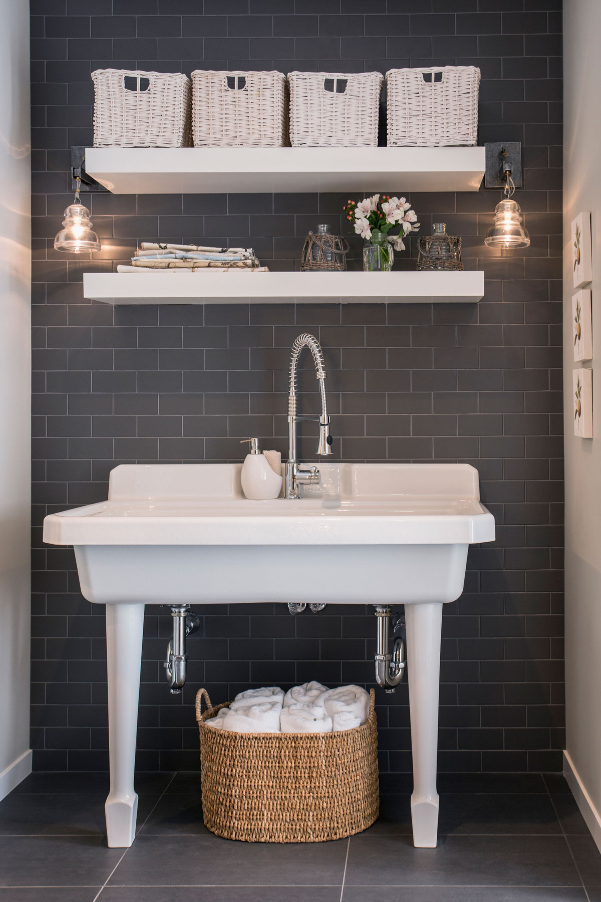 Bathroom shelf ideas, open shelving - Open shelving over sink