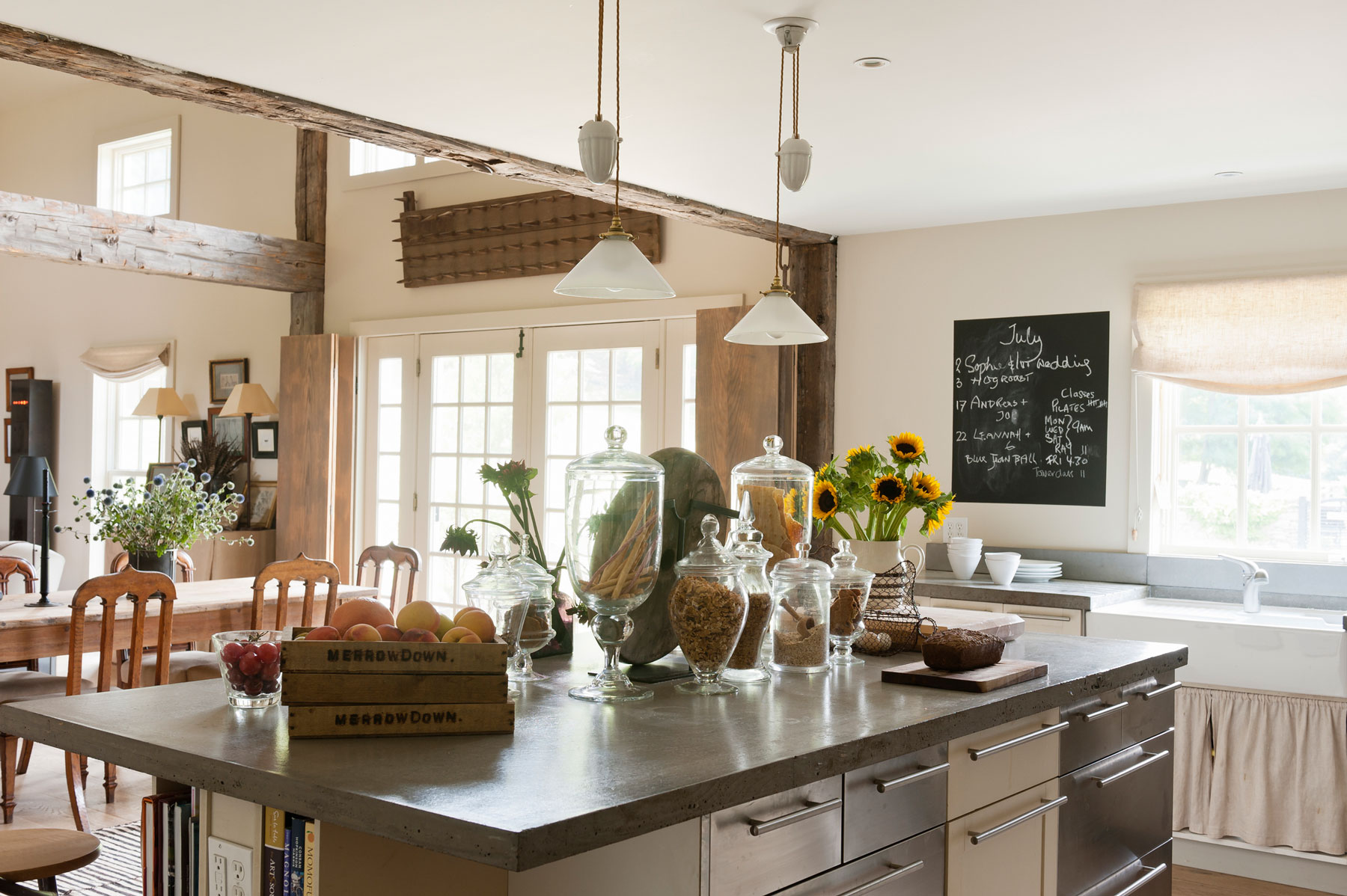 Farmhouse kitchen decor ideas - modern farmhouse kitchen
