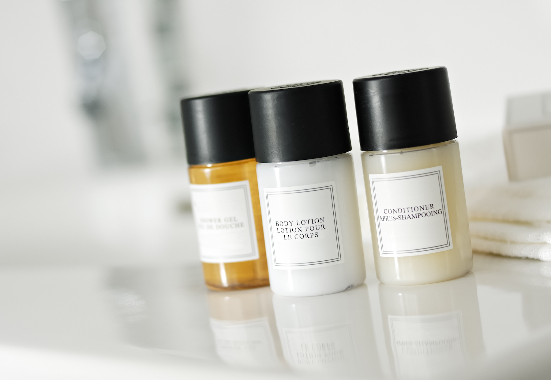 Free beauty samples of shampoo and conditioner from hotel