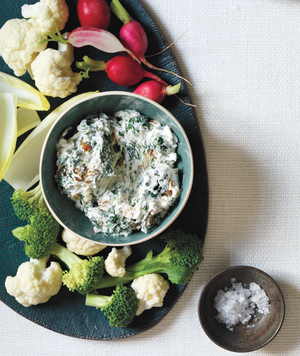Super Bowl Appetizers: Spinach and Caramelized Onion Dip