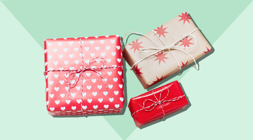 gift-wrapping-hacks-diagonal-trick