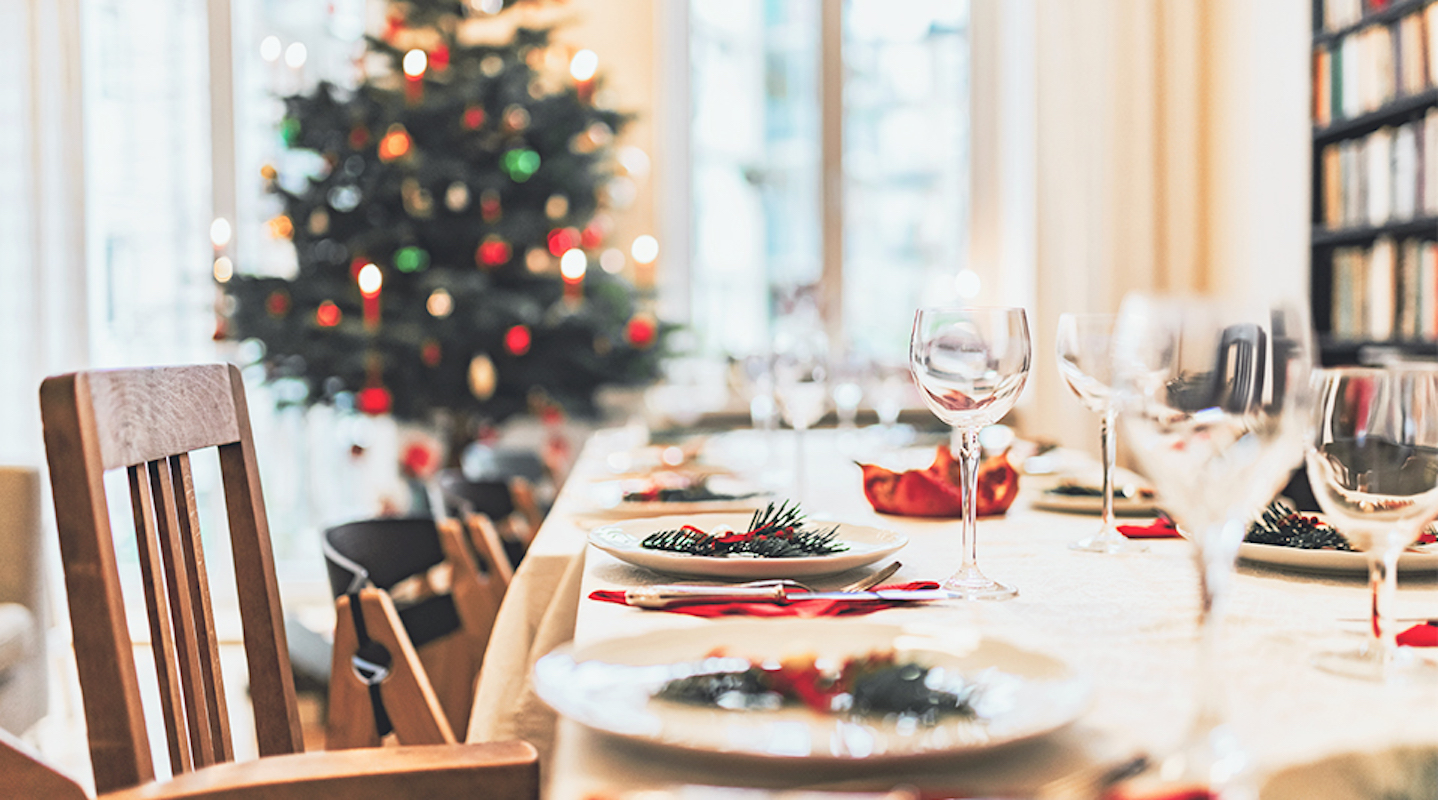 Organizing Trick to Get Your Home Party-Ready, Christmas dinner table