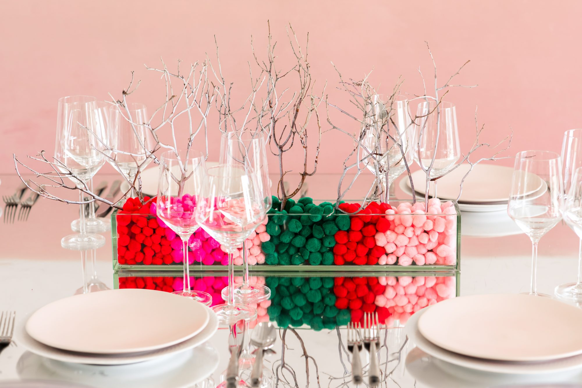 holiday table and centerpiece