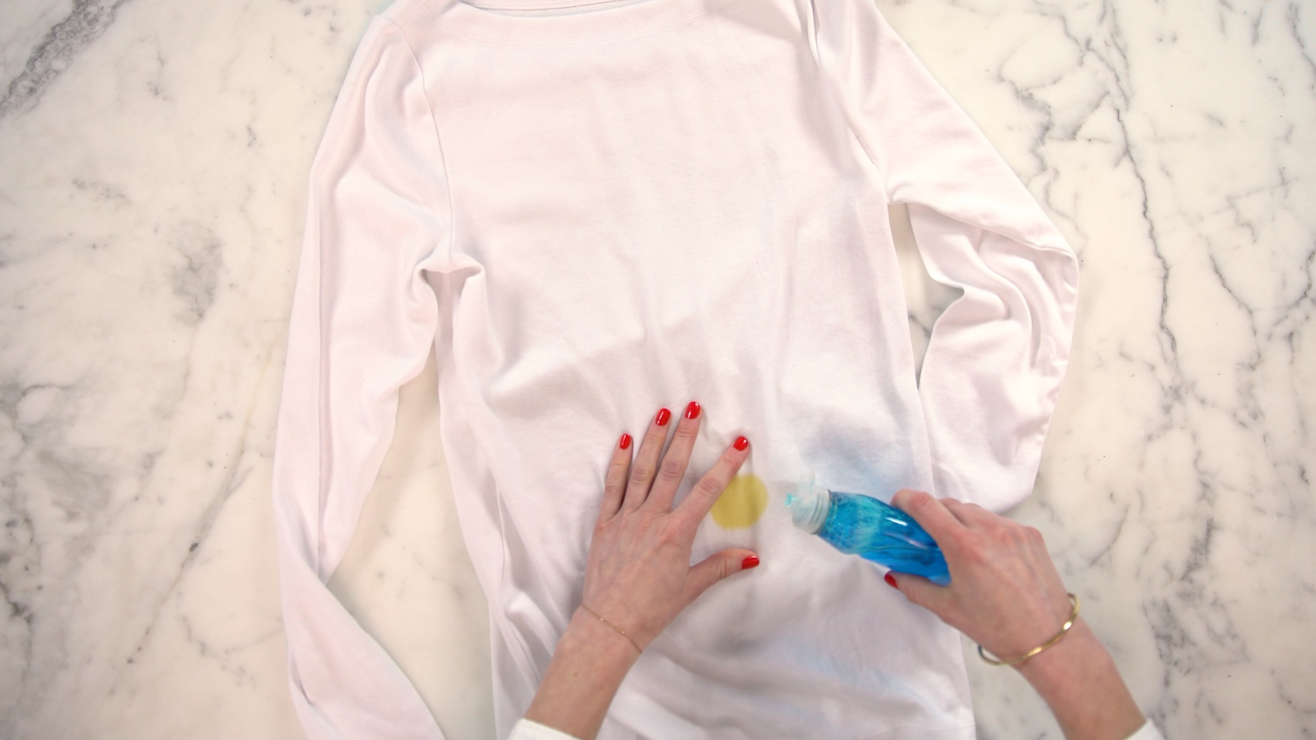 How to Remove Oil Stains From Clothes, dish soap