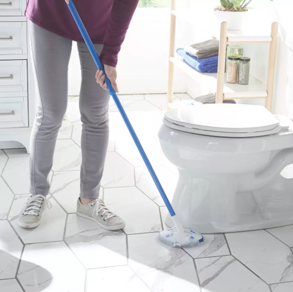 expandable pole tile scrubber