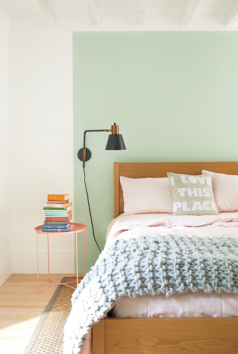 Benjamin Moore 2020 Color of the Year, blush pink bedding