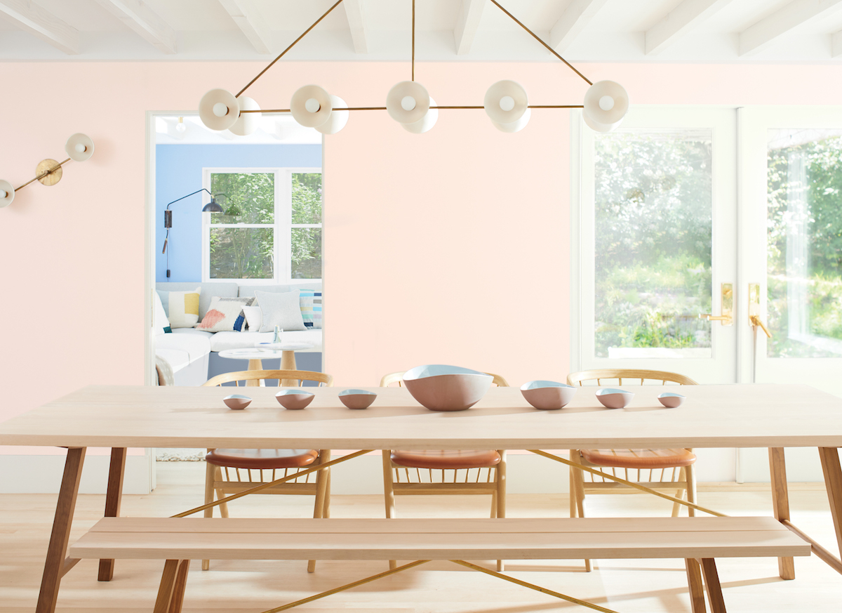 2020 Benjamin Moore Color of the Year, light pink in dining room