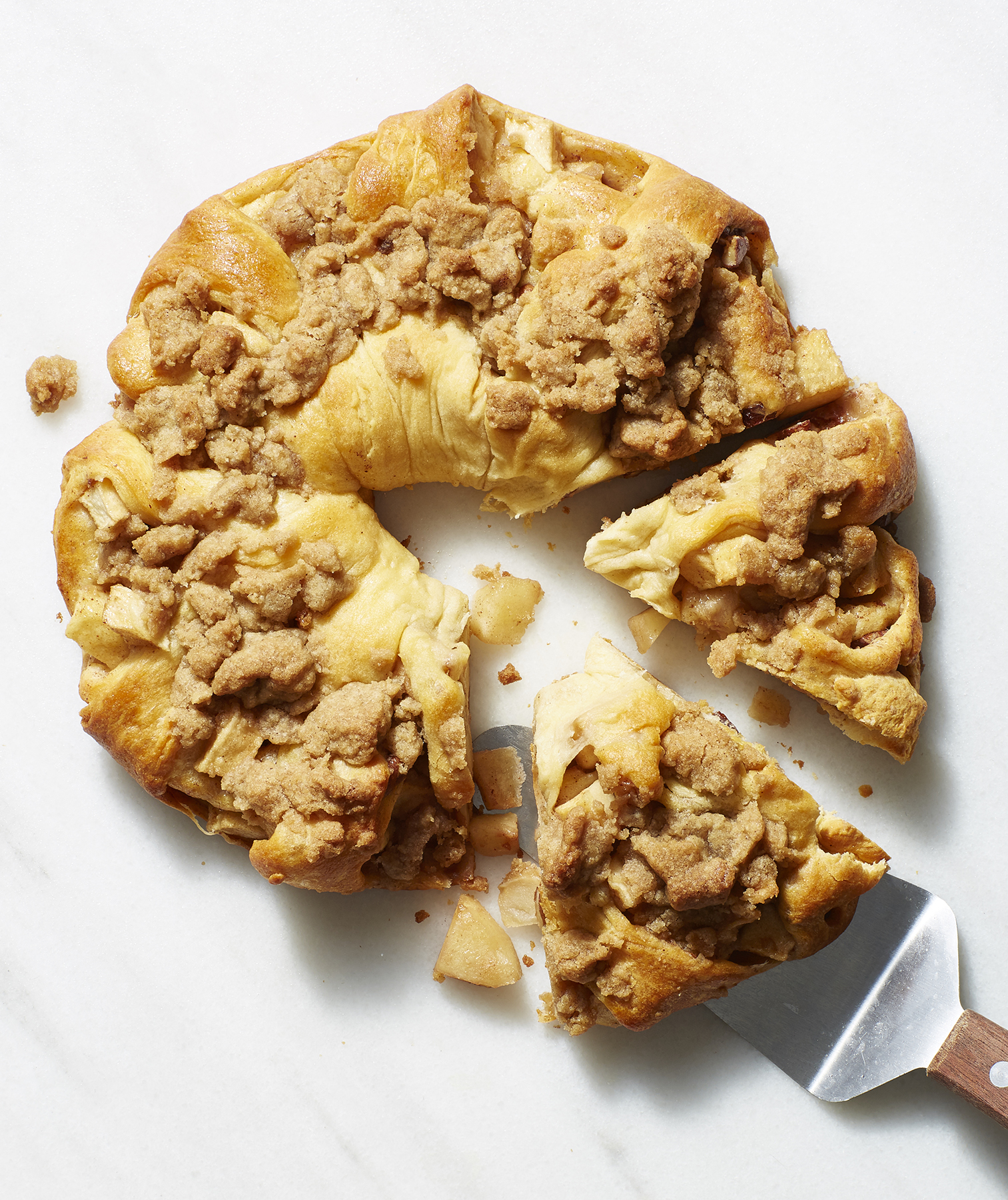 Apple Coffee Cake Twist With Giant Crumbs
