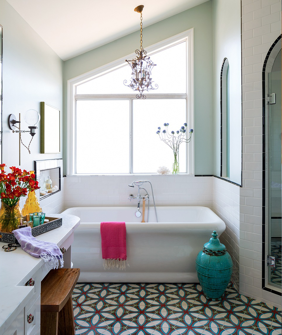 Bath with bright-colored elements