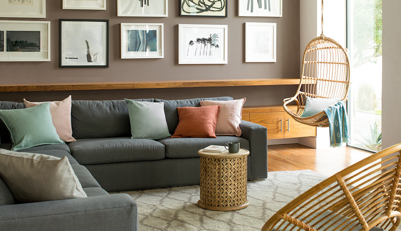 Best Paint Brands, Benjamin Moore Living Room with couch