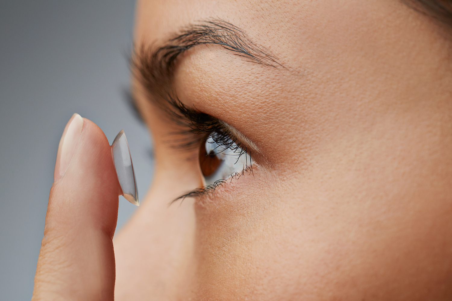 How to Keep Your Contact Lenses Healthy