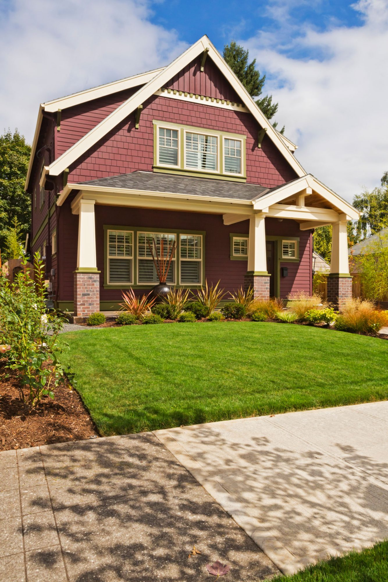 Curb appeal ideas: Craftsman Style House