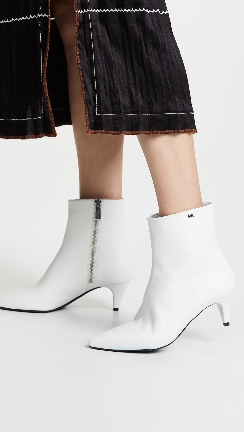 Cute Boots for Fall, White pointy-toe boots