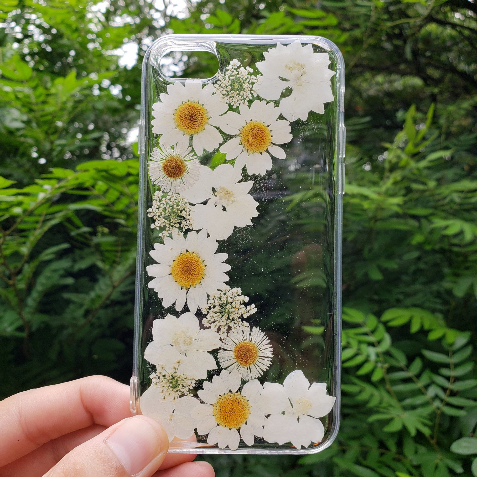 White Dried Flowers in clear Phone Case