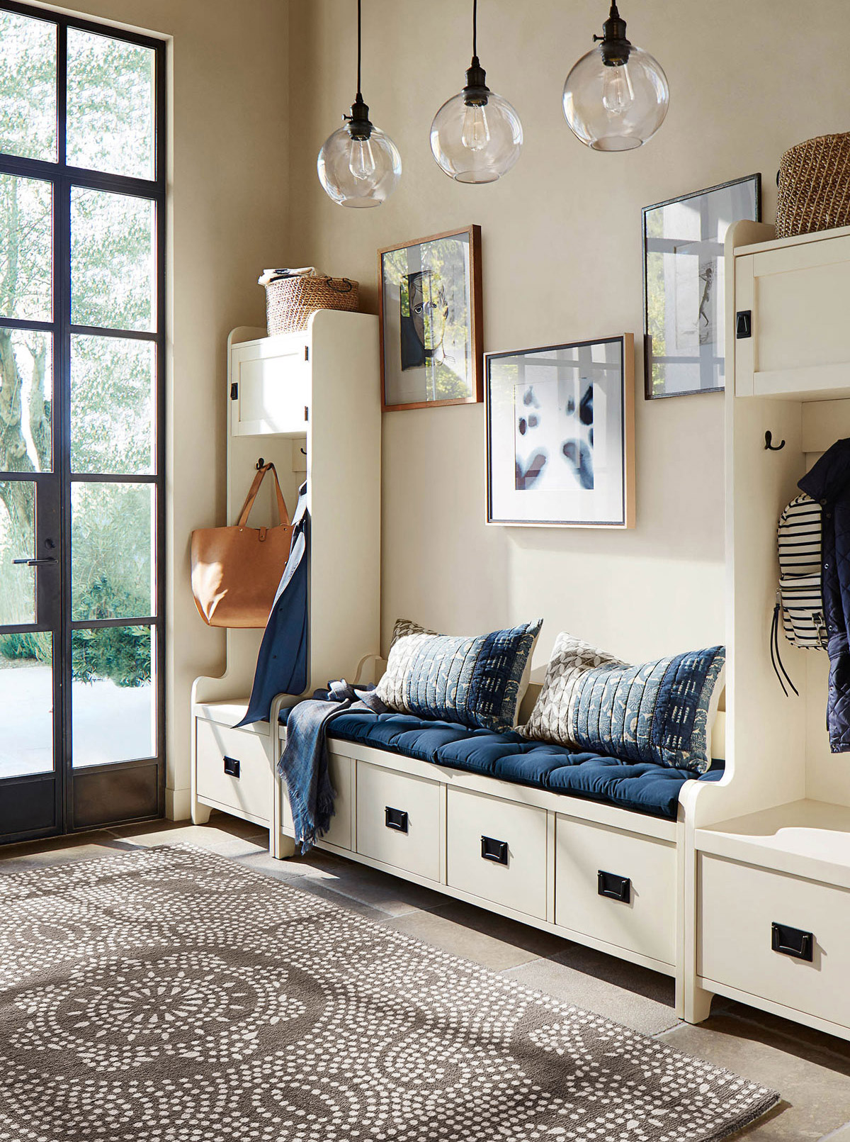 Entryway ideas - Mix utility and aesthetic
