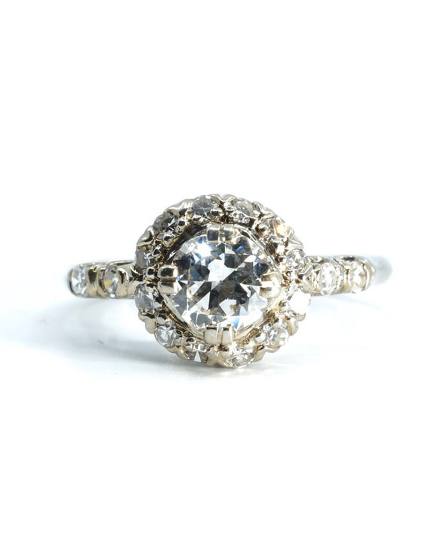 Etsy 2020 Wedding Trends: Vintage wedding and engagement rings