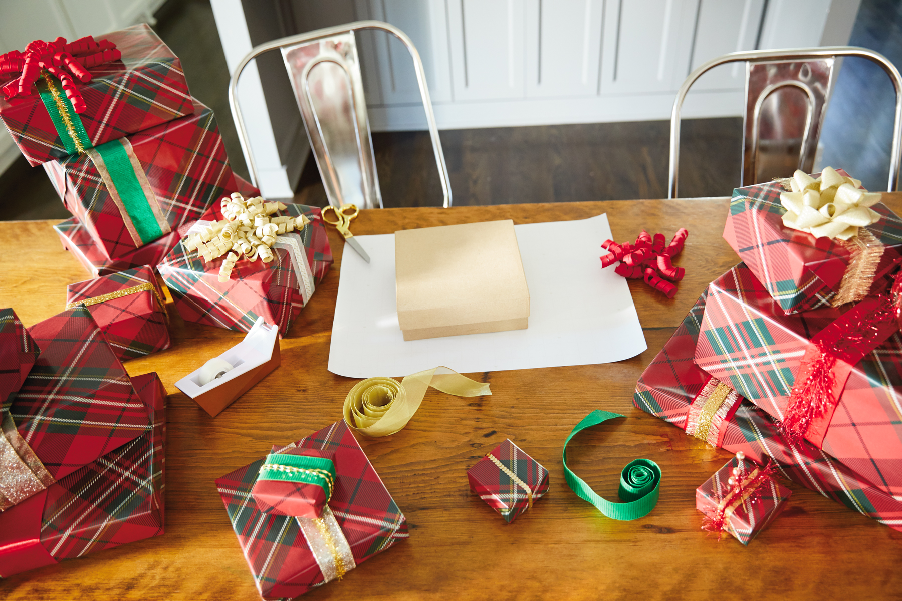 Gift wrapping mistakes and solutions #2: Set Up Your Space