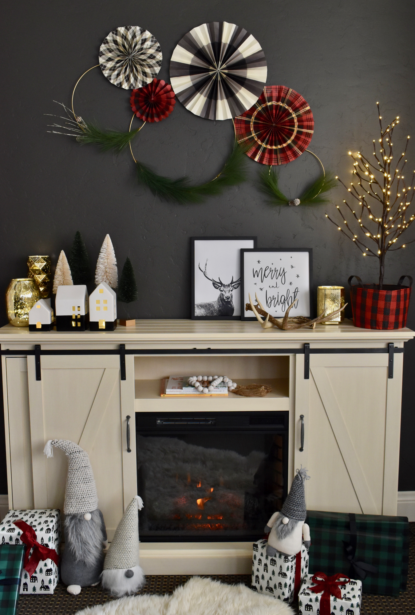 Christmas Decoration Ideas: Use Gifts as Fireplace Christmas Decorations
