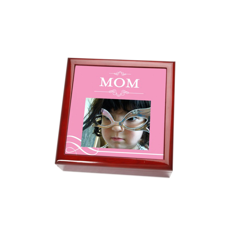 """Mom"" Keepsake Box"