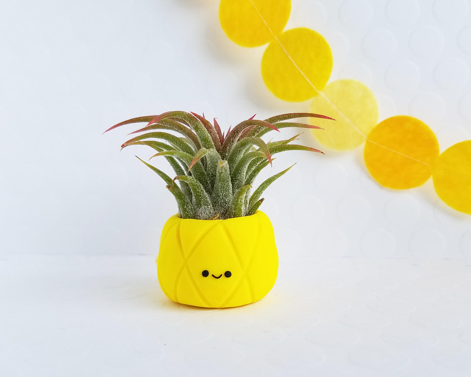 Gen Z Yellow Pineapple Plant Holder