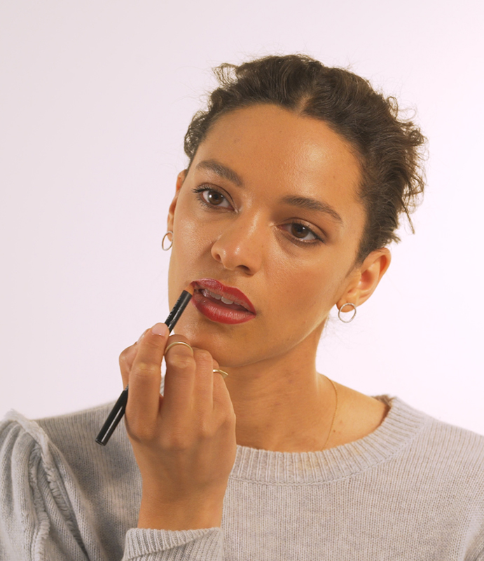 Red Lips, Step 2: Trace lips