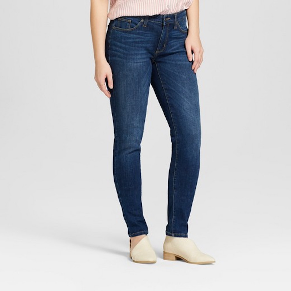 Mid-Rise Curvy Skinny Jeans in blue