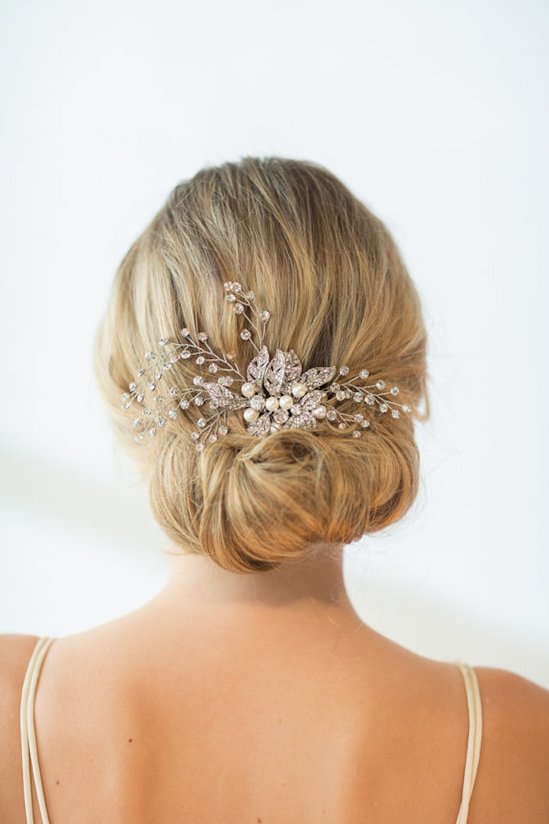 Decorative wedding hair comb in blond updo