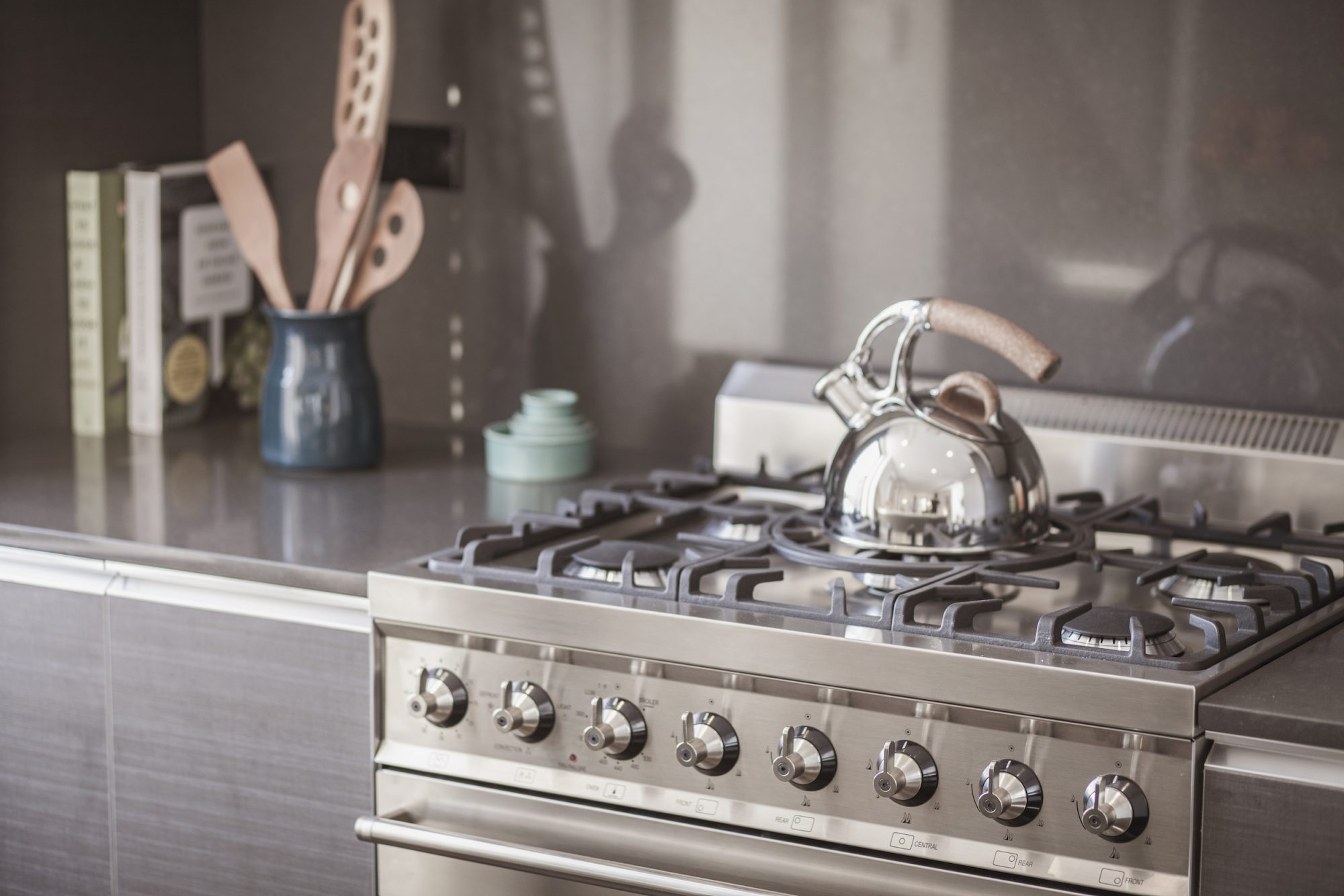 clean stovetop in kitchen