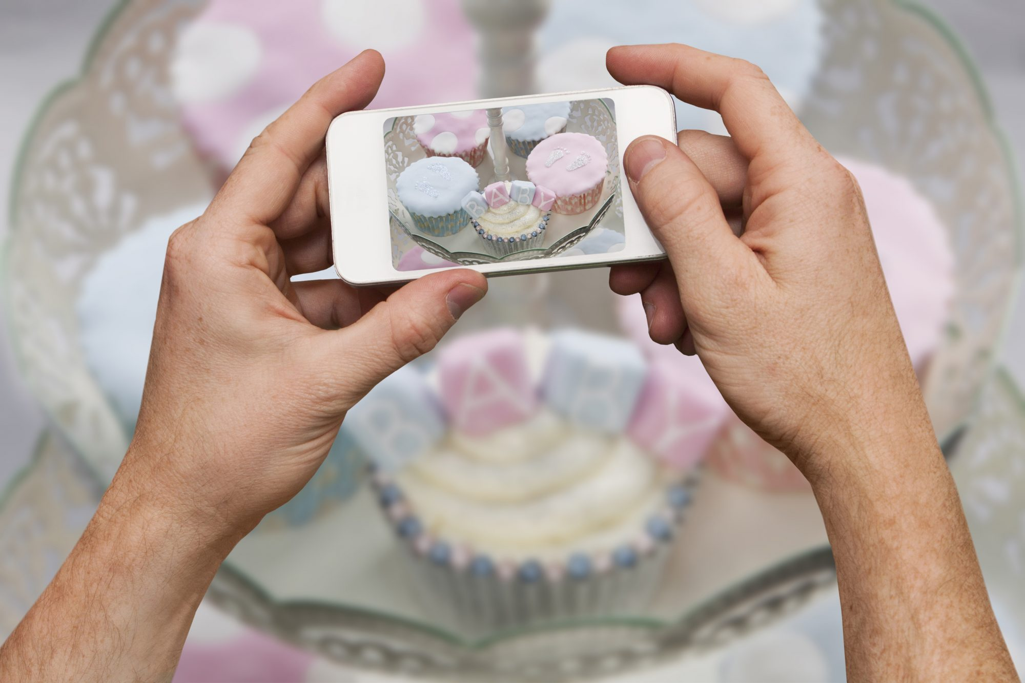 How to host a virtual baby shower - virtual baby shower ideas for quarantine (cupcakes)
