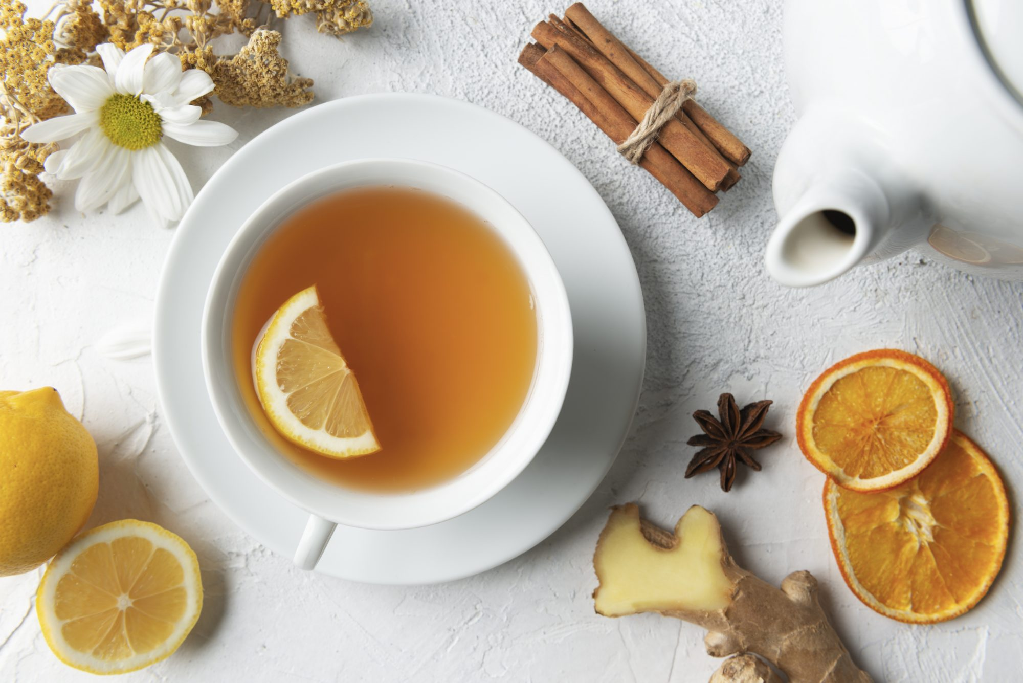relaxing foods: cup of tea with lemon