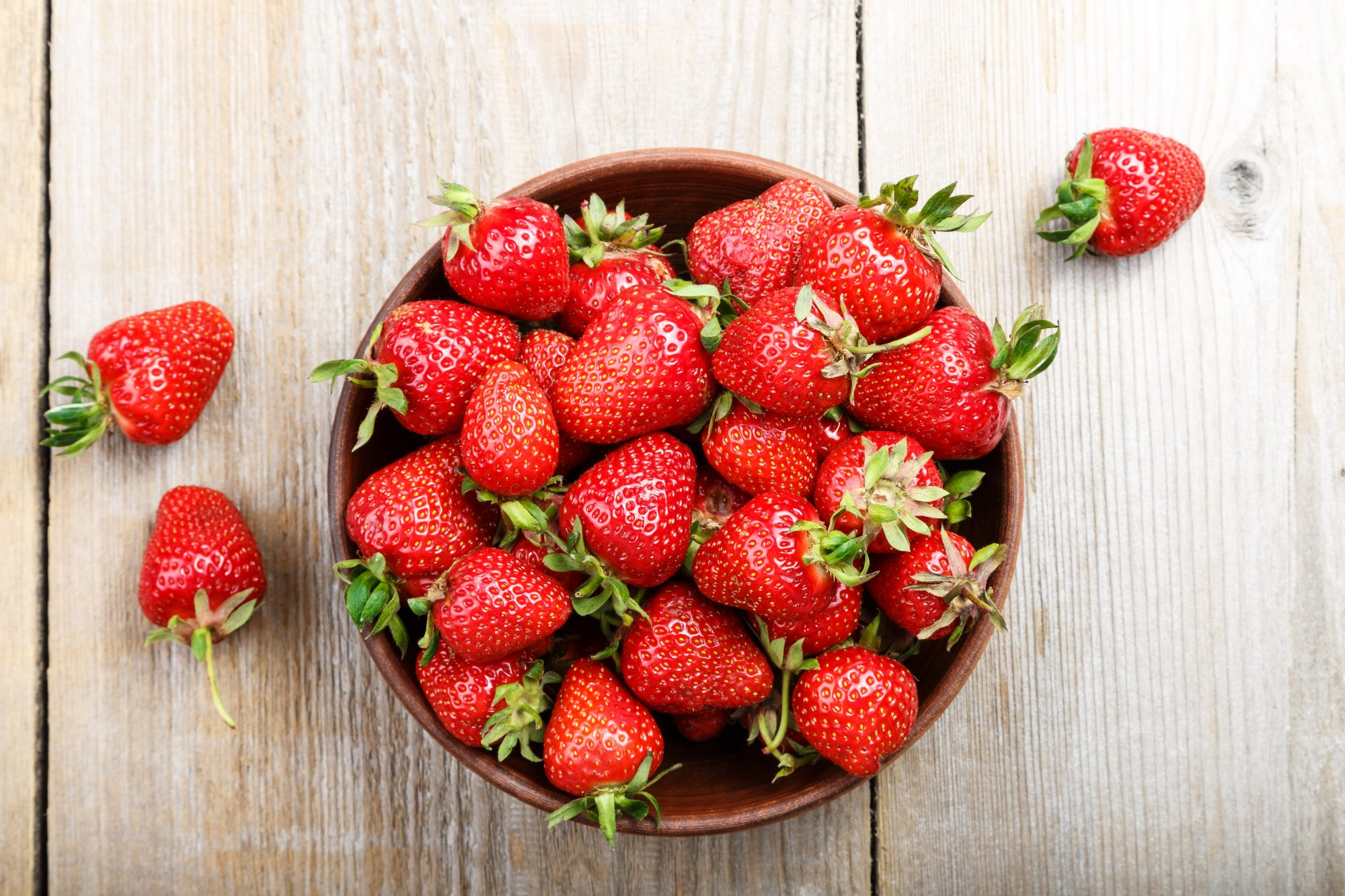 bowl of strawberries: strawberry nutrition