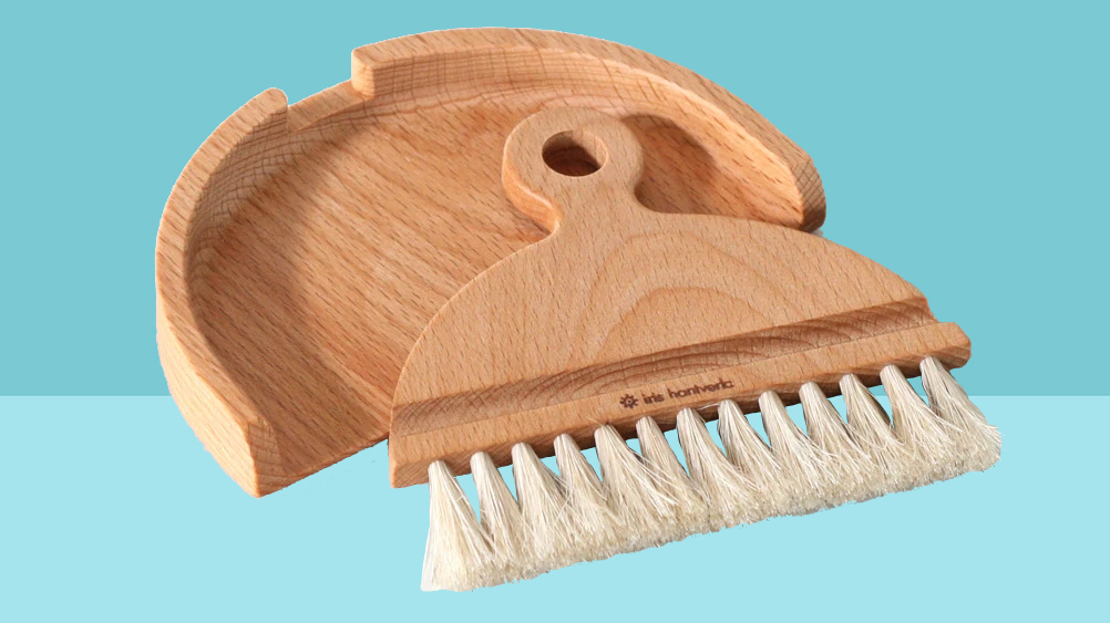 6 Clever Items 8/7/20 - table brush set