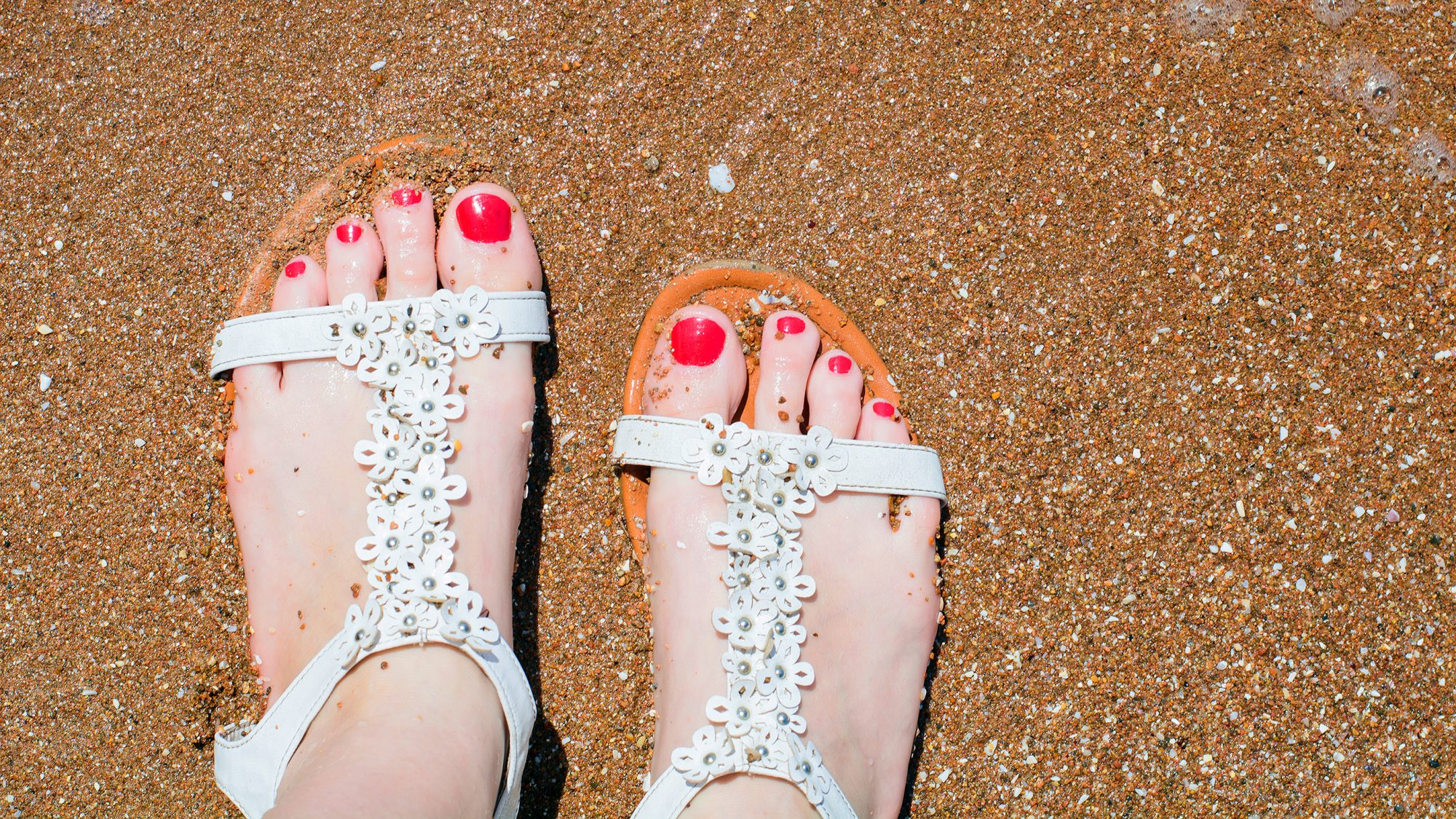Places to remember to apply sunscreen - feet