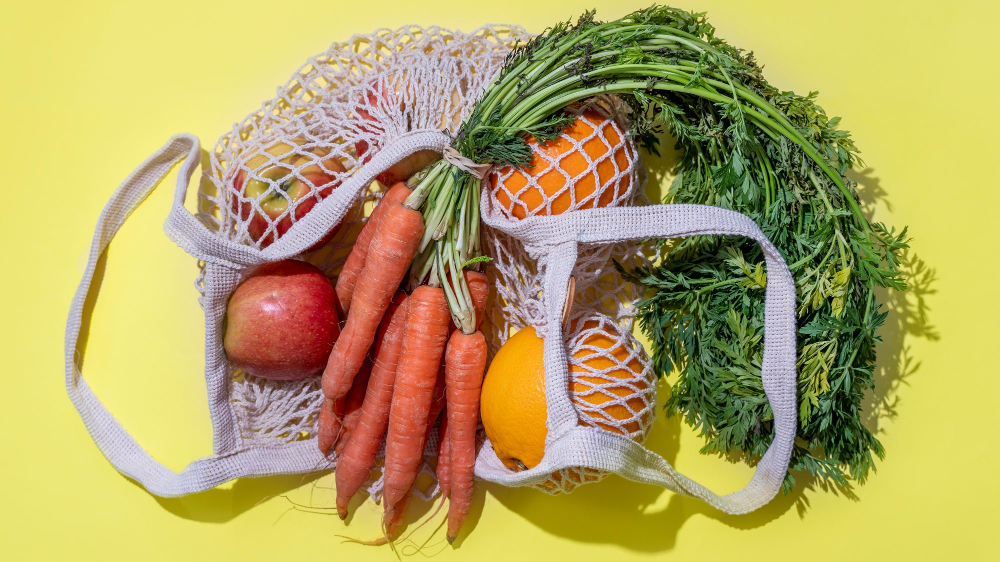 groceries in a mesh bag: grocery shop faster