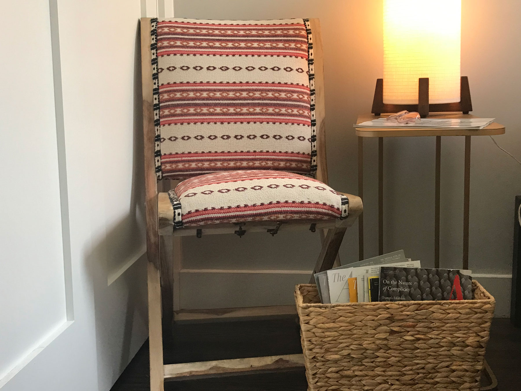 Upcycling magazines ideas - reading nook