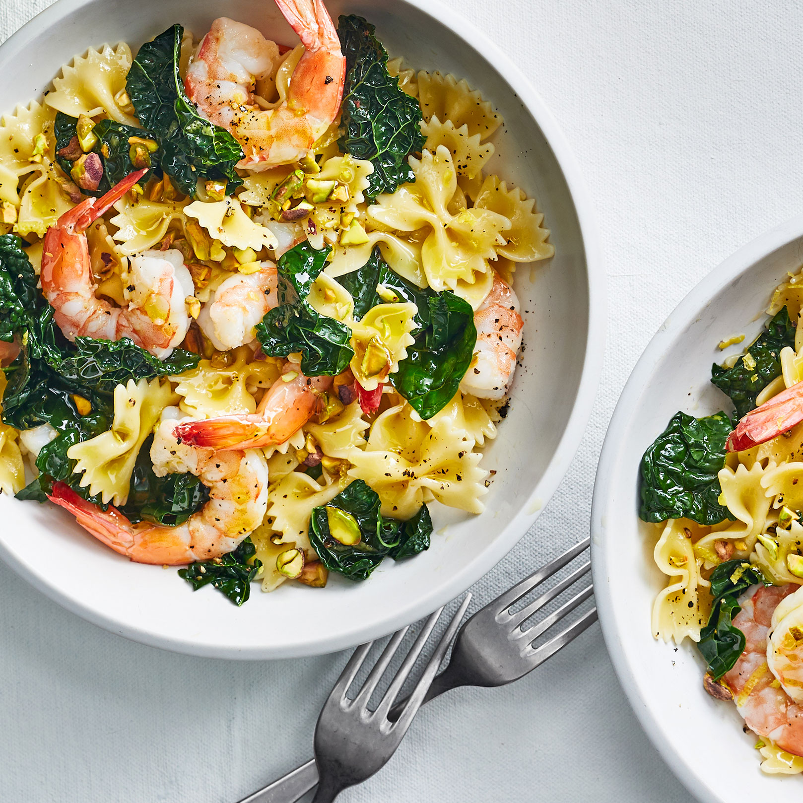 Easy pasta recipes - Farfalle With Lemon, Shrimp, and Kale