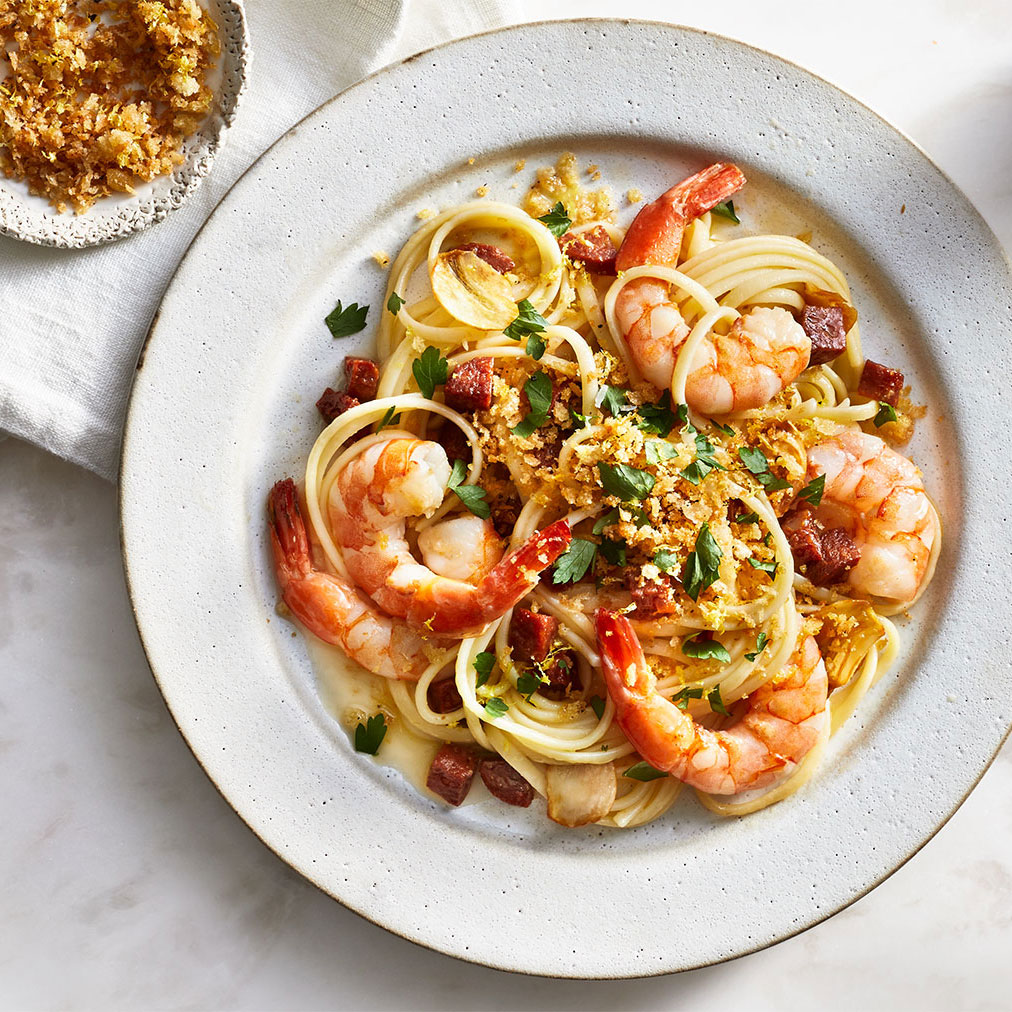Easy pasta recipes - Shrimp Linguine With Chorizo