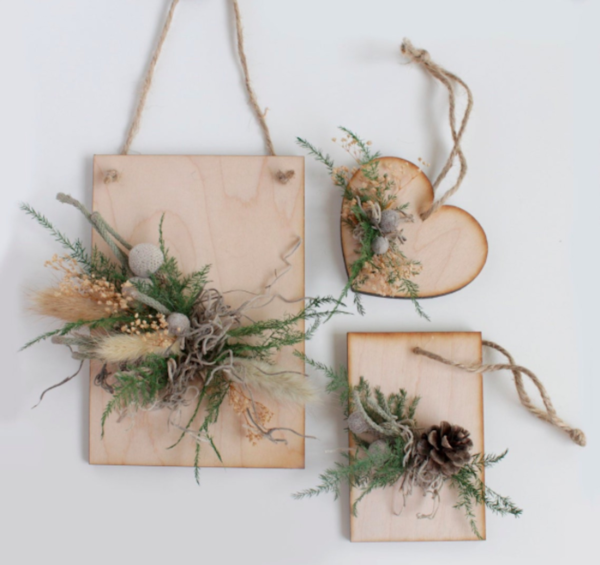 Etsy natural decor and ornaments, wood and dried flowers