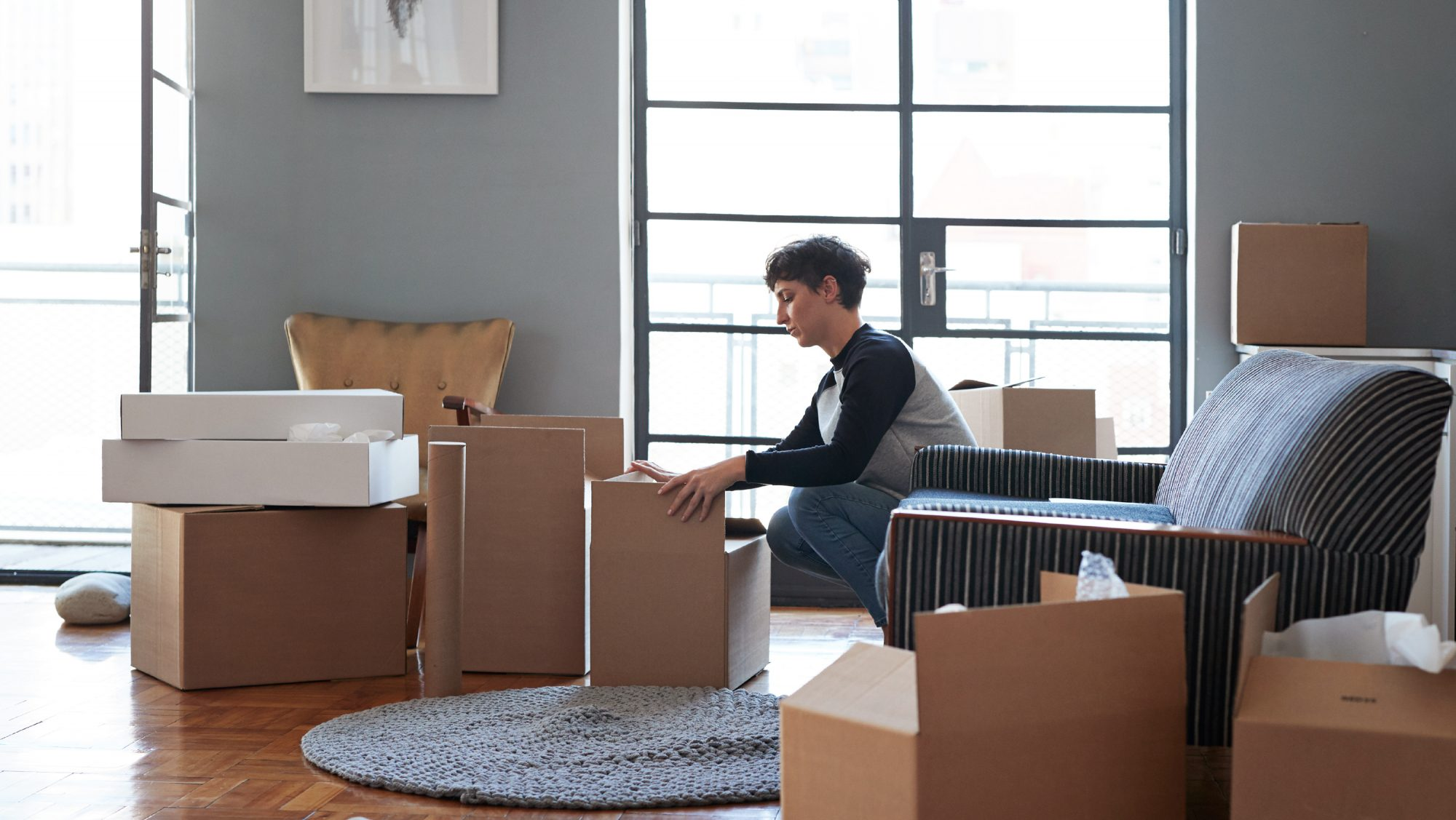 deciding to move during coronavirus tips - person moving