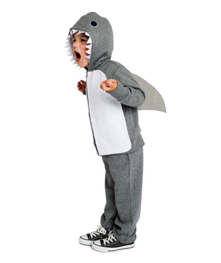 DIY Halloween costumes ideas - Shark costume