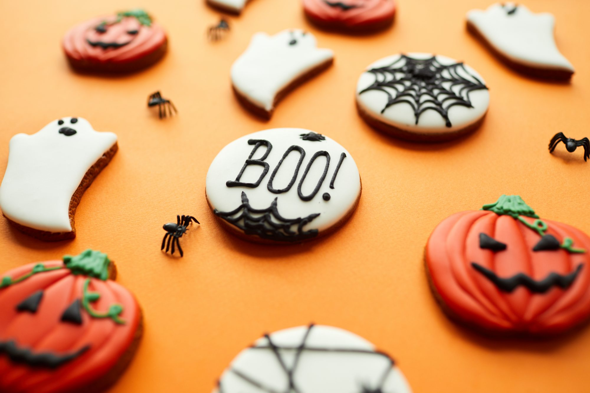 Halloween desserts and halloween treats - cakes, cookies, cupcakes, and more