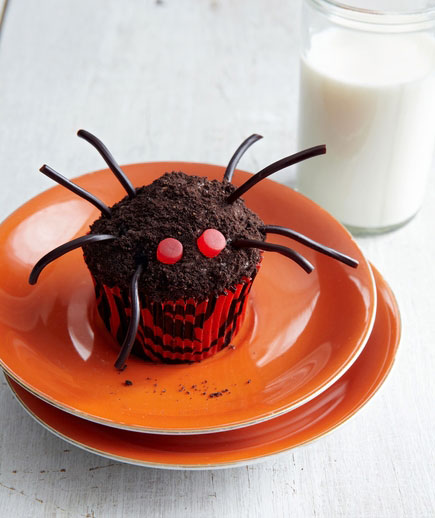 Halloween desserts and Halloween treats - Crawly Spider Cupcakes