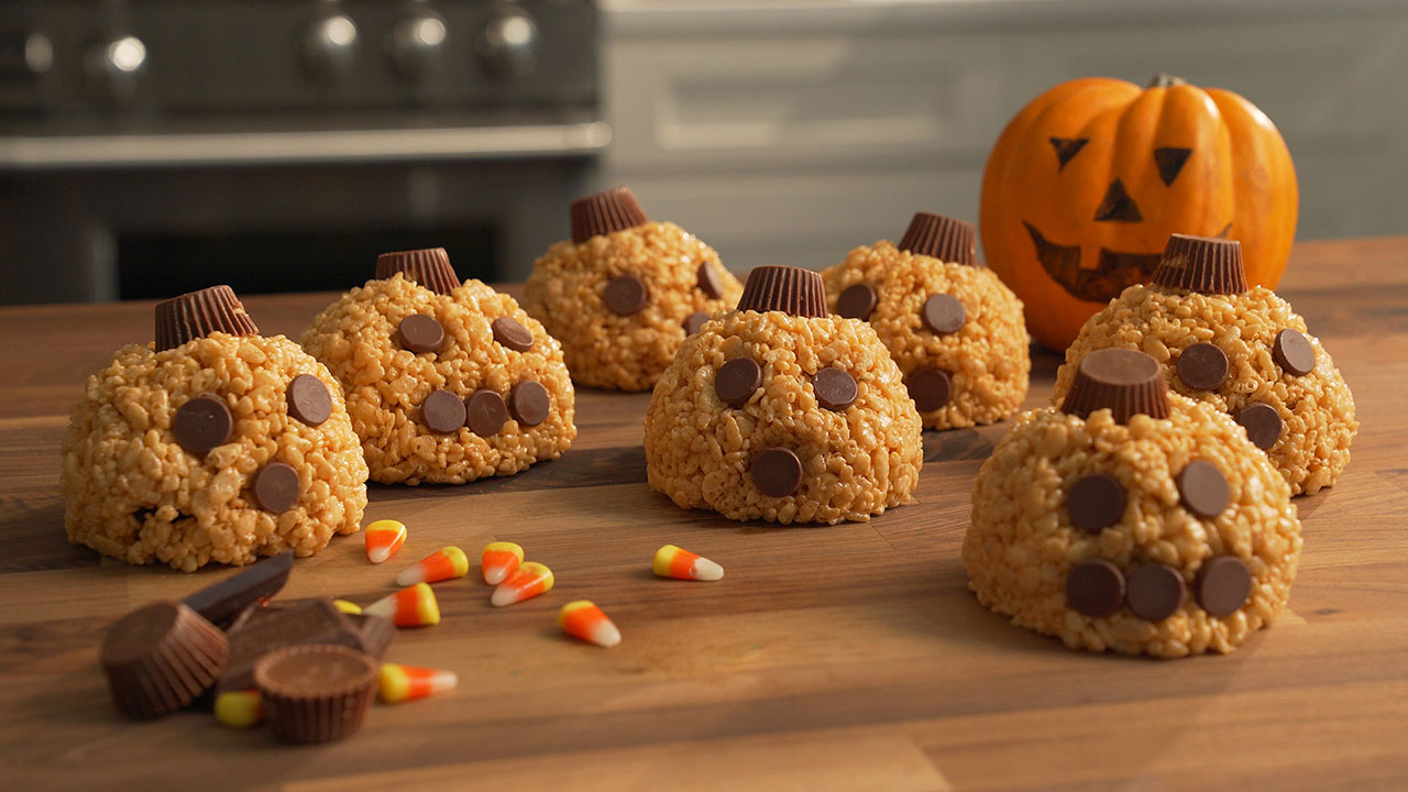 Halloween desserts and Halloween treats - Jack-O'-Lantern Rice Kreepies
