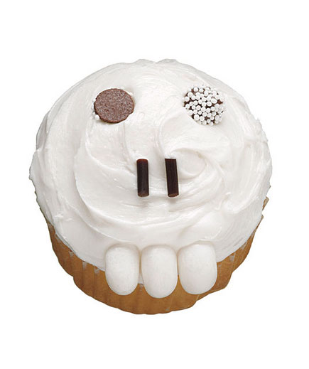 Halloween desserts and Halloween treats - Toothy Skull Cupcake