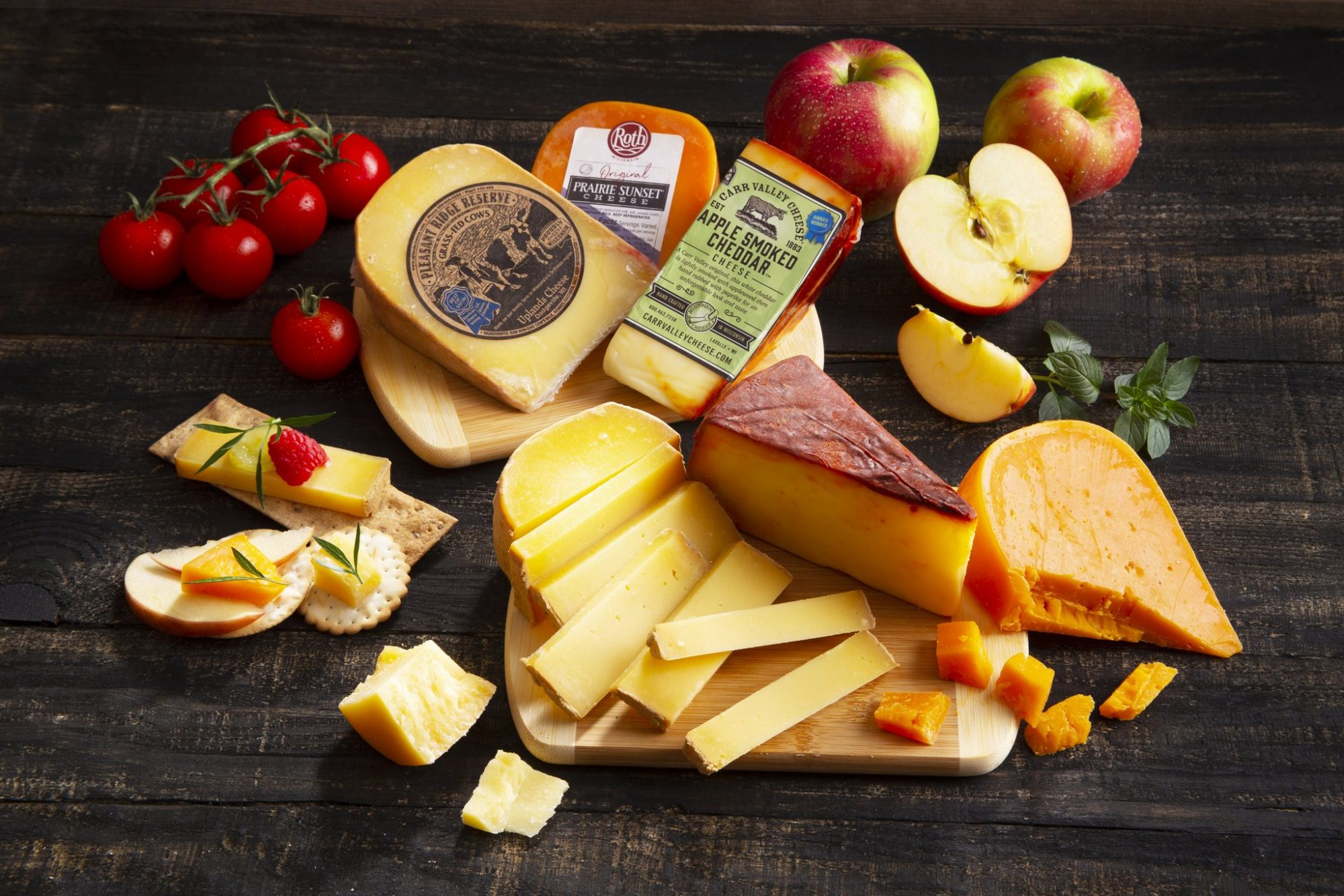 gifts-for-foodies-Wisconsin-Cheese-Award-Winners-Cheese-Board
