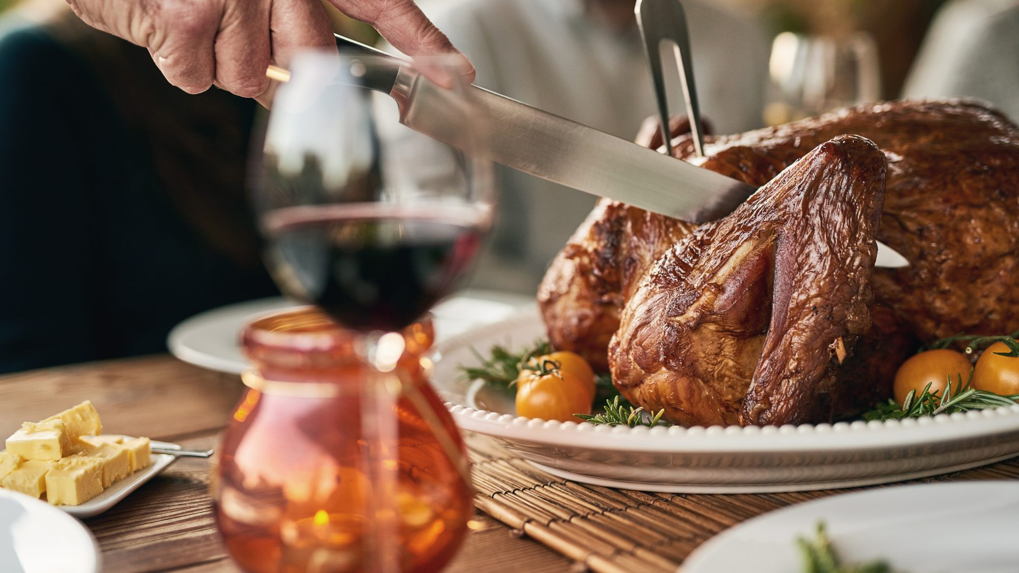 How to host Thanksgiving during coronavirus - safety tips for Thanksgiving (outdoor Thanksgiving turkey carving)