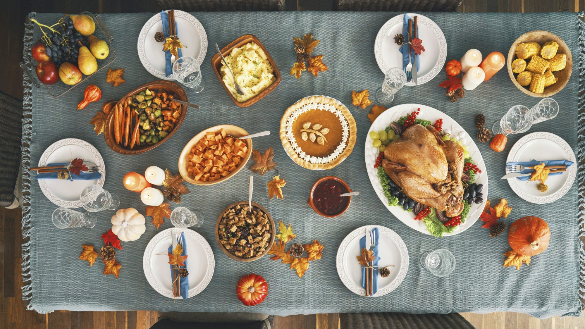 Thanksgiving food history - the history of traditional Thanksgiving foods (feast spread)