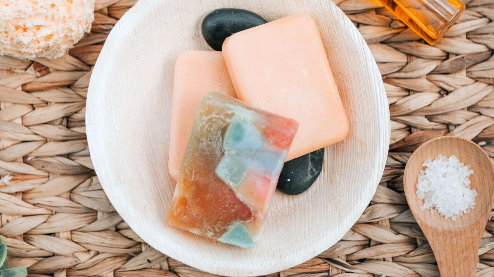 best-bar-soap: bar soaps in a dish