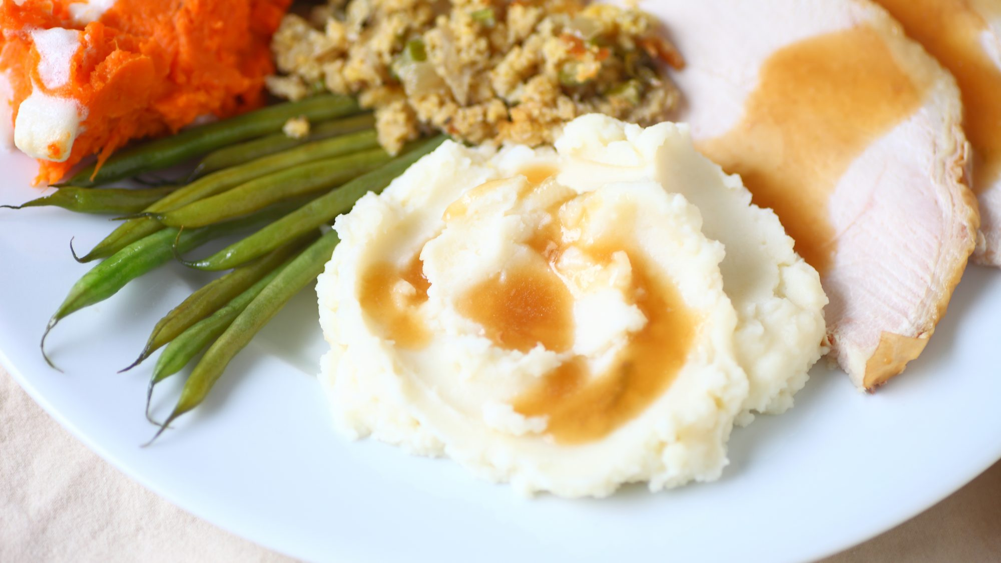 gravy and mashed potatoes